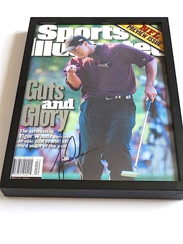 TIGER WOODS SIGNED SPORTS ILLUSTRATED COMPLETE MAGAZINE DATED 2000 - THIRD MAJOR OF THE YEAR