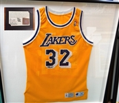 HAND SIGNED BY MAGIC JOHNSON LAKERS JERSEY WITH CERTIFICATE OF AUTHENTICITY FROM UPPER DECK